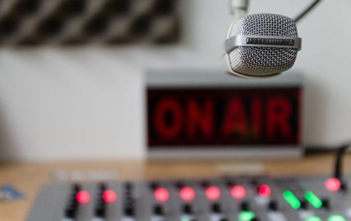 rádió mikrofon